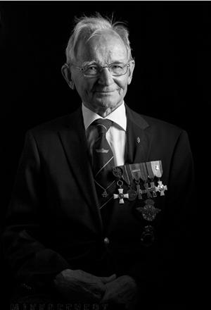 Olli Kiviojan muotokuva Muisto sodasta-näyttelyssä. Kuva: Mikko Eevertti