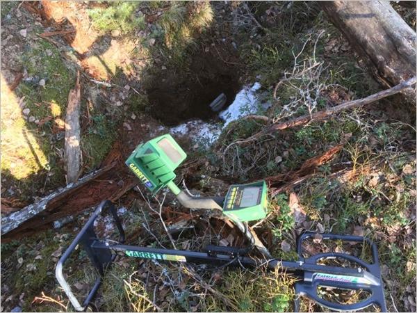Yksi Karjalan Valli-ryhmän etsinnöissään käyttämistä työkaluista on erikoismetallinpaljastin