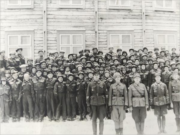 Sotilaspoikien ryhmänohjaajakokoontumisesta Ottilasta loppuvuodesta 1940